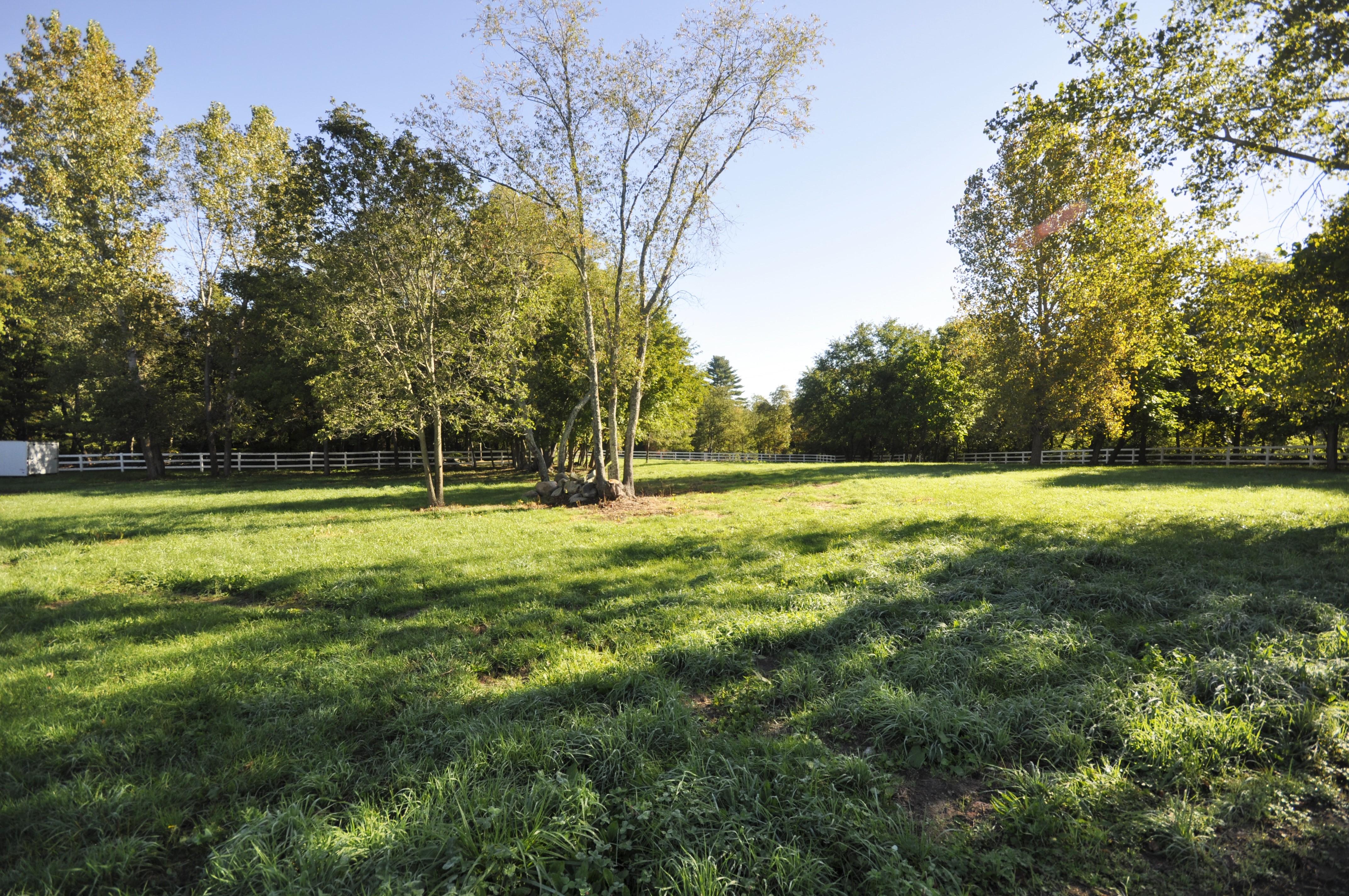 land  retreat lot 3 acres  otm