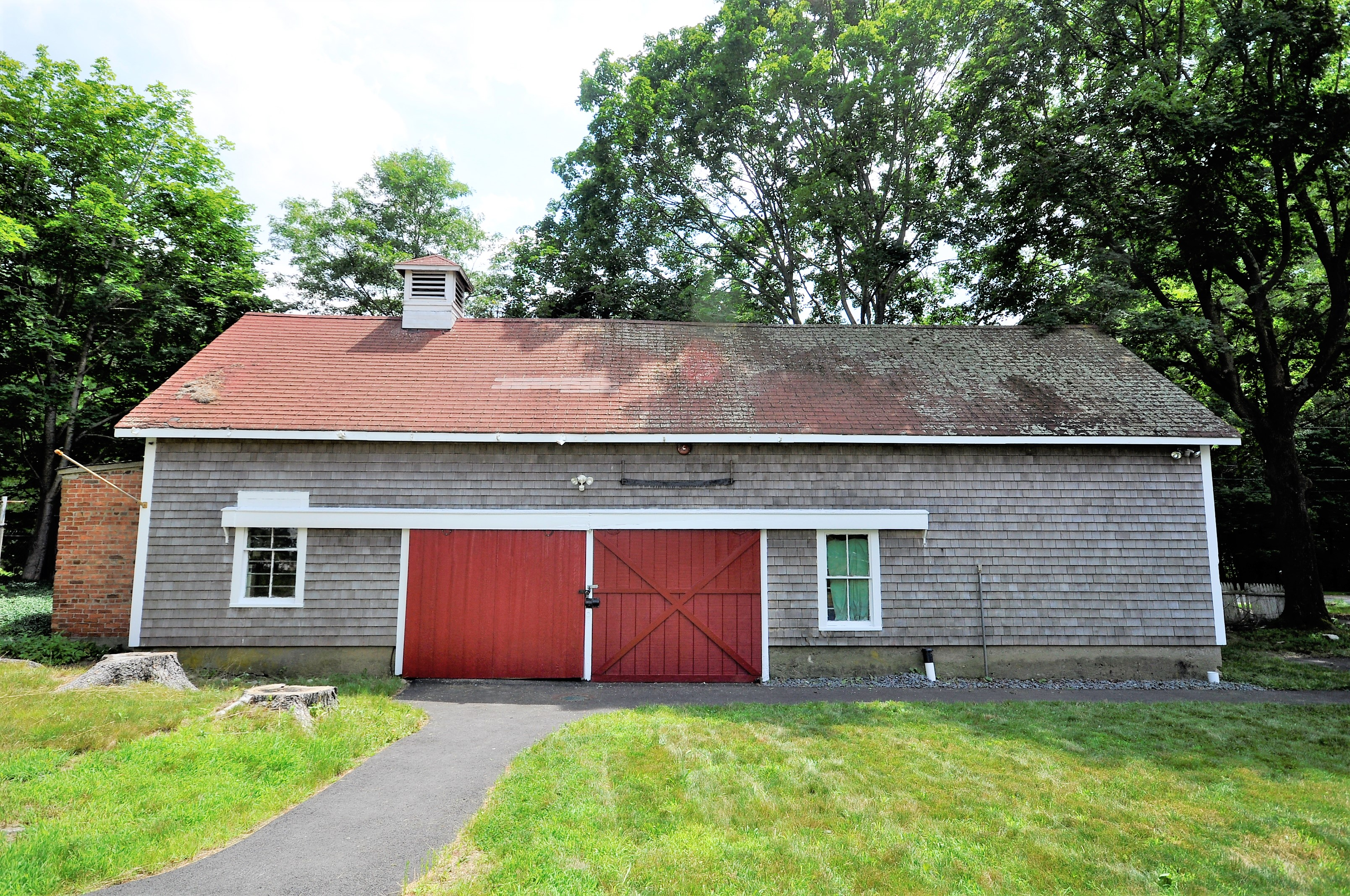 Nice Home With Large Barn And Garage Price Drop 269 900